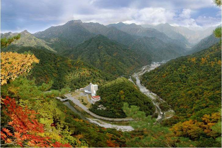 Risultati immagini per Parco Naturale dei Monti Myohyang,